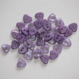Bouton coeur 1,2cm avec une face nacre – Lot de 2 – Violet
